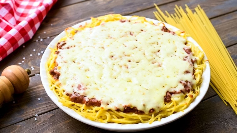 Baked Spaghetti Pie in pie plate