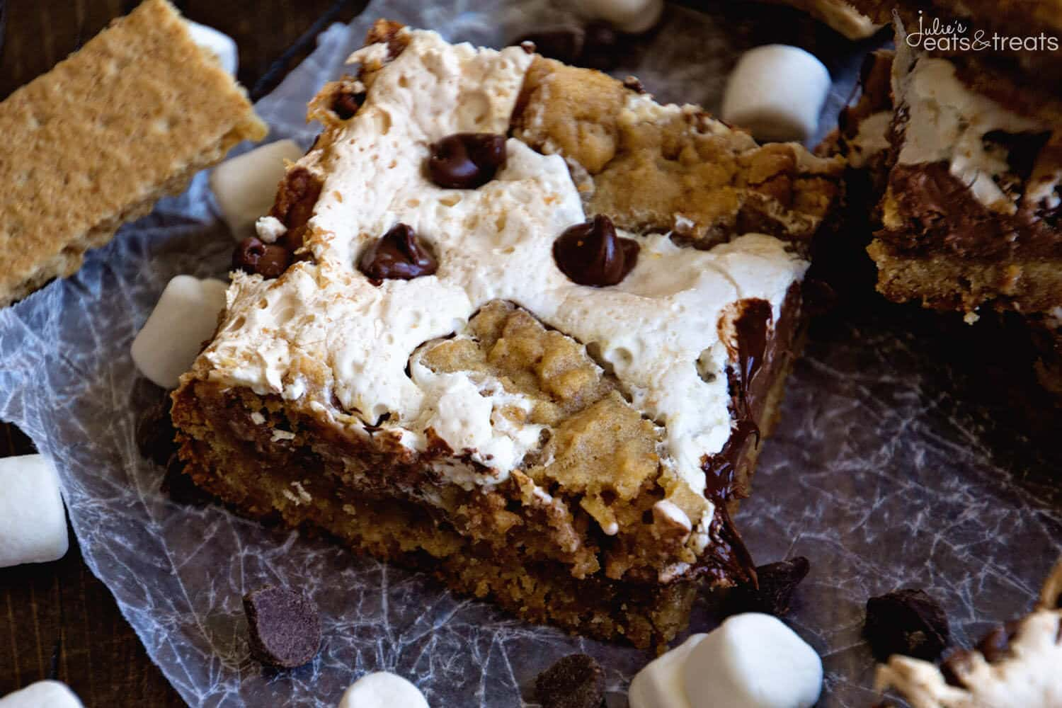 S'mores Bars ~ Now You Can Have a S'more Whenever You Want! These Delicious S'mores Bars Are Full of Graham Crackers, Marshmallows and Chocolate! Ooey, Gooey and Delicious!