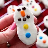Snowman Cookies ~ Nutter Butter Cookies Dressed up as Cute Little Snowman for your Holiday Cookies!