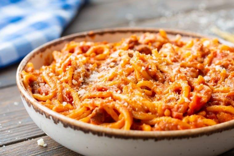 slow cooker spaghetti recipe in bowl