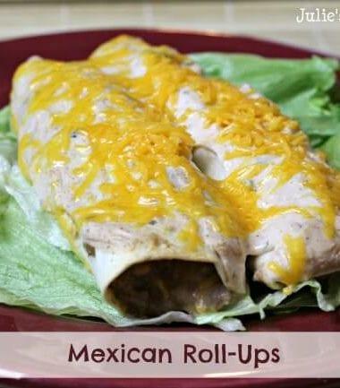 Mexican Roll-Ups ~ Tortillas stuffed full of beef, sour cream and salsa! www.julieseatsandtreats.com #recipe #mexican