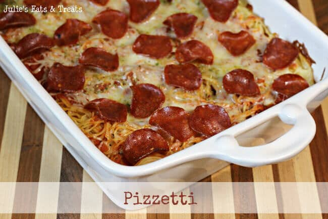 Pizzetti ~ It's Pizza, It's Spaghetti, It's Pizzetti! www.julieseatsandtreat.com #recipe #pizza #spaghetti