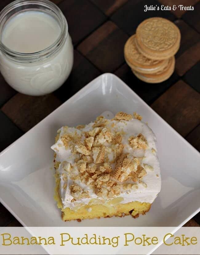 Banana Pudding Poke Cake topped with Golden Oreos! via www.julieseatsandtreats.com