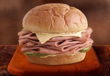 Arby's KING'S HAWAIIAN Roast Beef Sandwich #roastbeefatopia #ad