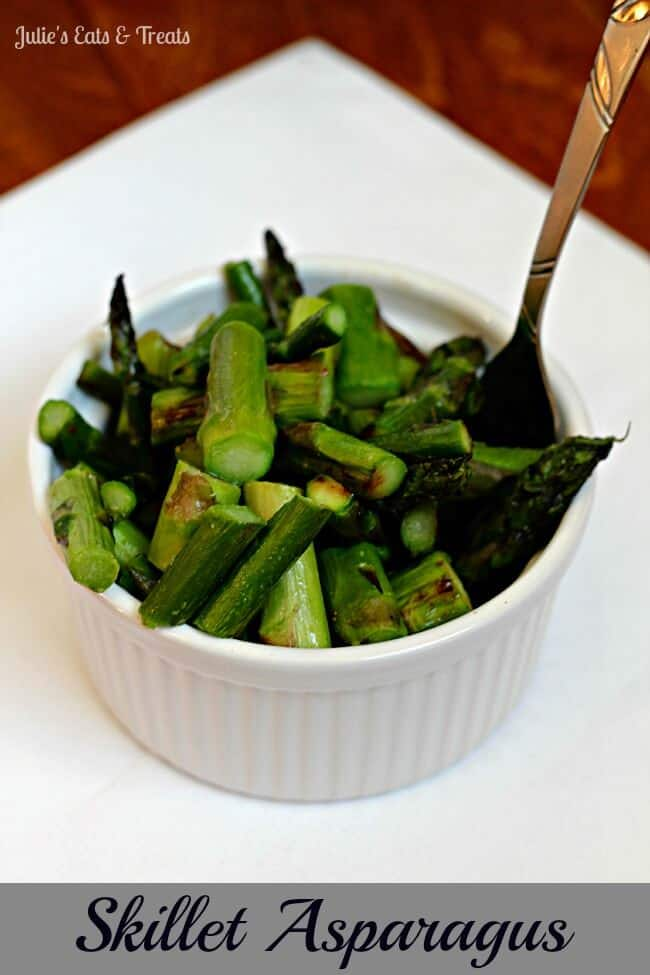 Skillet Asparagus ~ Quick and easy asparagus with only three ingredients! via www.julieseatsandtreats.com