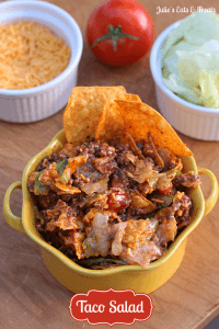 Taco Salad - A perfect summertime favorite! via www.julieseatsandtreats.com