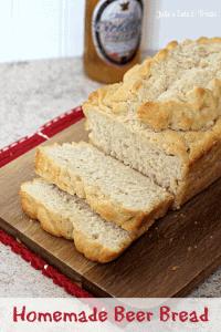 Homemade Beer Bread ~ Quick and easy beer bread! via www.julieseatsandtreats.com