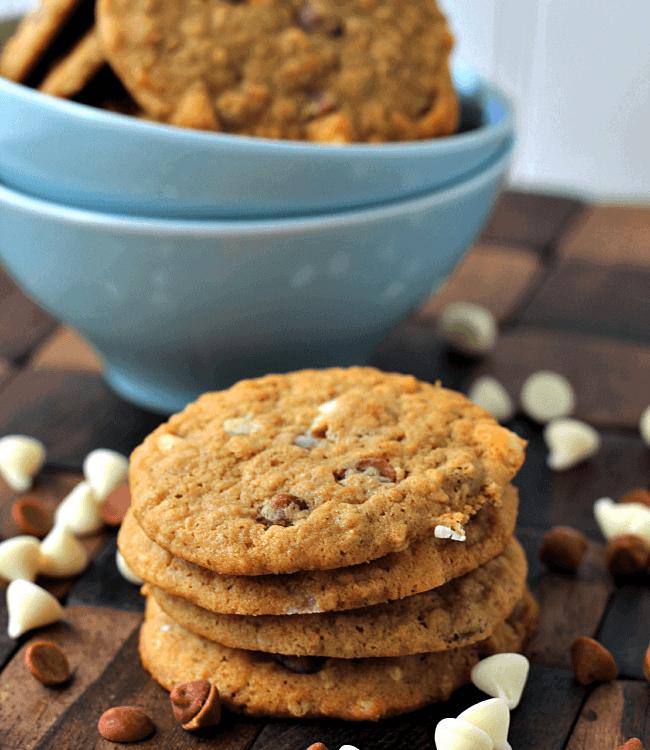 Cinnamon Chip Pumpkin Cookies ~ Soft, Chewy Pumpkin Cookies Stuffed Full of Cinnamon and White Chocolate Chips! #OXOGoodCookie via www.julieseatsandtreats.com