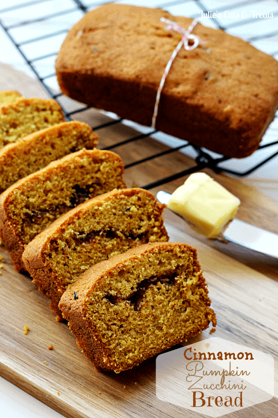 Cinnamon Pumpkin Zucchini Bread ~ Pumpkin Zucchini Bread with a Cinnamon Swirl! via www.julieseatsandtreats.com
