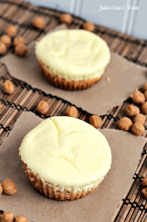 Caramel Macchiato Cheesecake Sugar Cookie Cups ~ Soft Sugar Cookie topped with Carmel Macchiato Cheesecake!