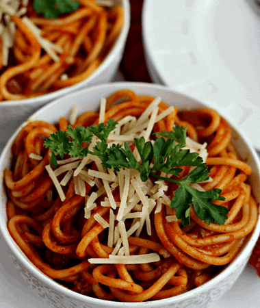 Skillet Spaghetti ~ Quick, easy homemade spaghetti! Only uses one skillet!