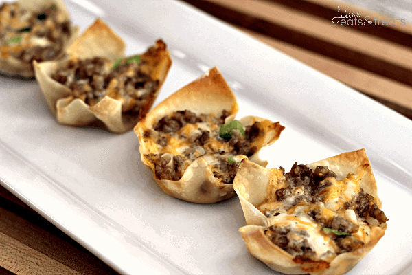 Sausage Green Pepper Wontons ~ Crispy Wontons loaded with sausage and green peppers!