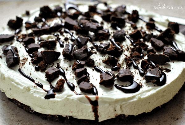 No Bake Thin Mint Cheesecake ~ Easy Fluffy Mint Cheesecake with a Thin Mint Crust!
