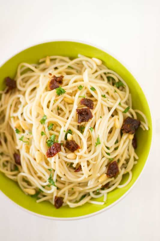 Lemon Garlic Spaghetti with Sundried Tomatoes