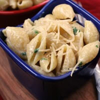 Cheesy Garlic Butter Noodles ~ Quick and Easy Side Dish for a Busy Night! Pasta Loaded with Garlic, Butter & Cheese!