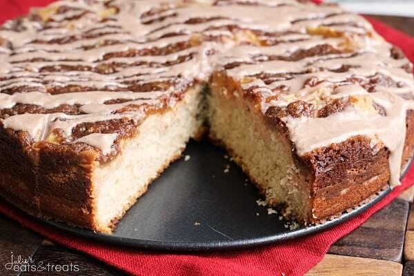 Apple Cream Cheese Coffee Cake ~ Amazing Coffee Cake Topped with Cream ...