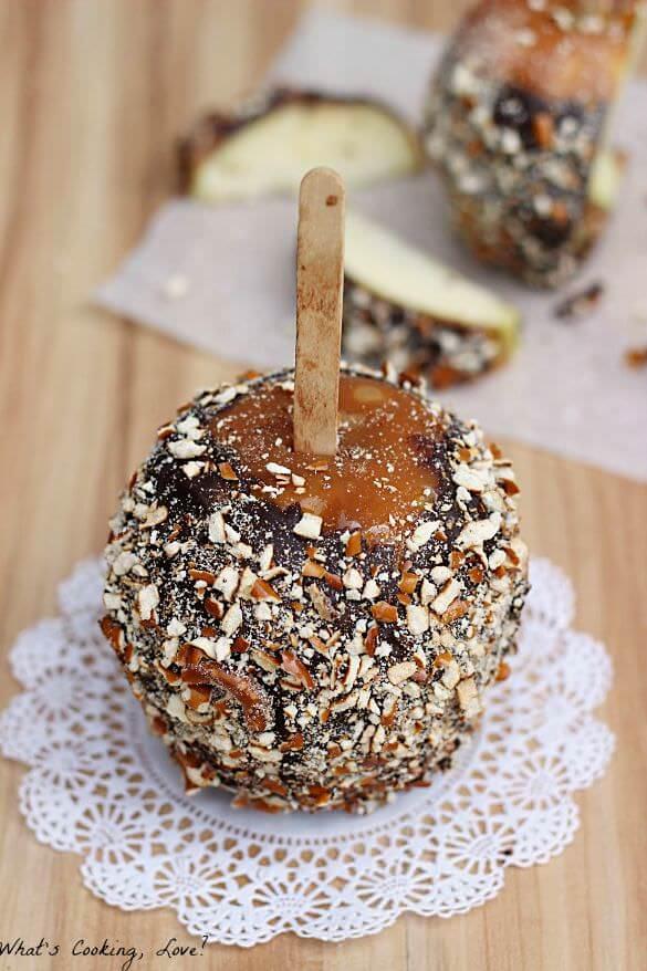 Chocolate Pretzel Caramel Apples
