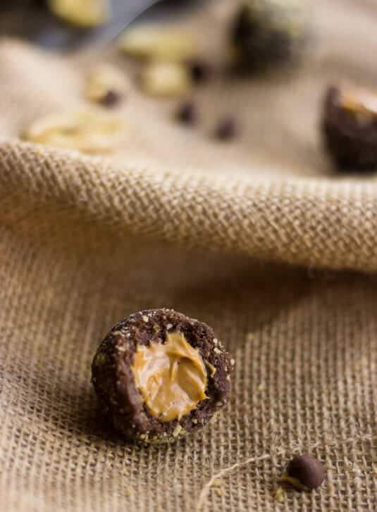 Healthy Peanut Butter Banana Truffles - Foodfaithfitness.com