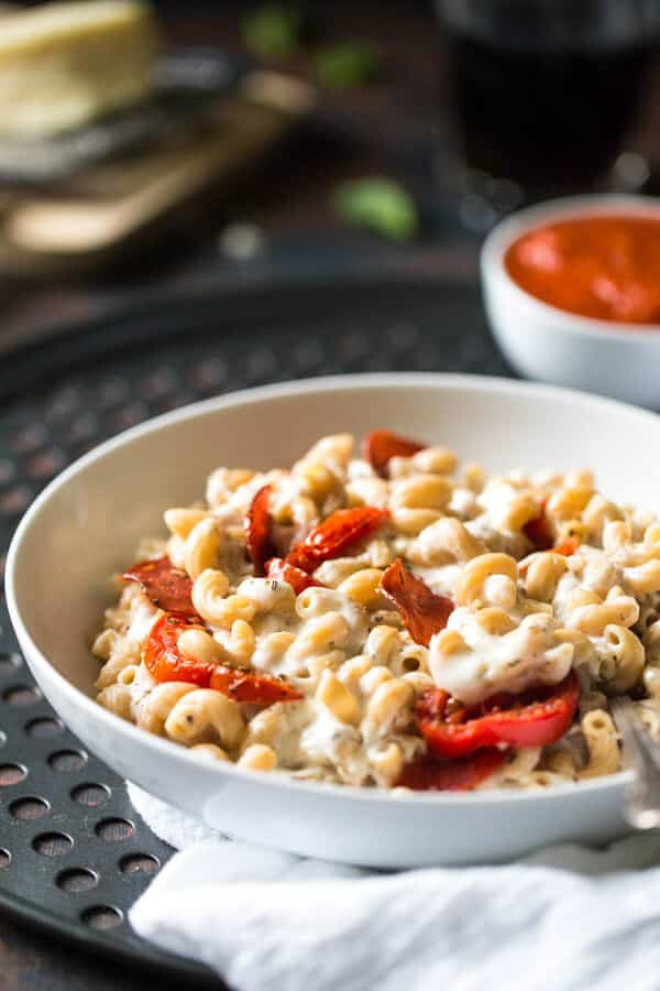 Skinny Pizza Mac N' Cheese - Two comforts food in one with this easy ...