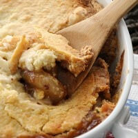 Caramel Apple Cobbler ~ Only 5 Ingredients to Perfection! Ooey Gooey Caramel Apple Pie Filling with a Buttery Topping!