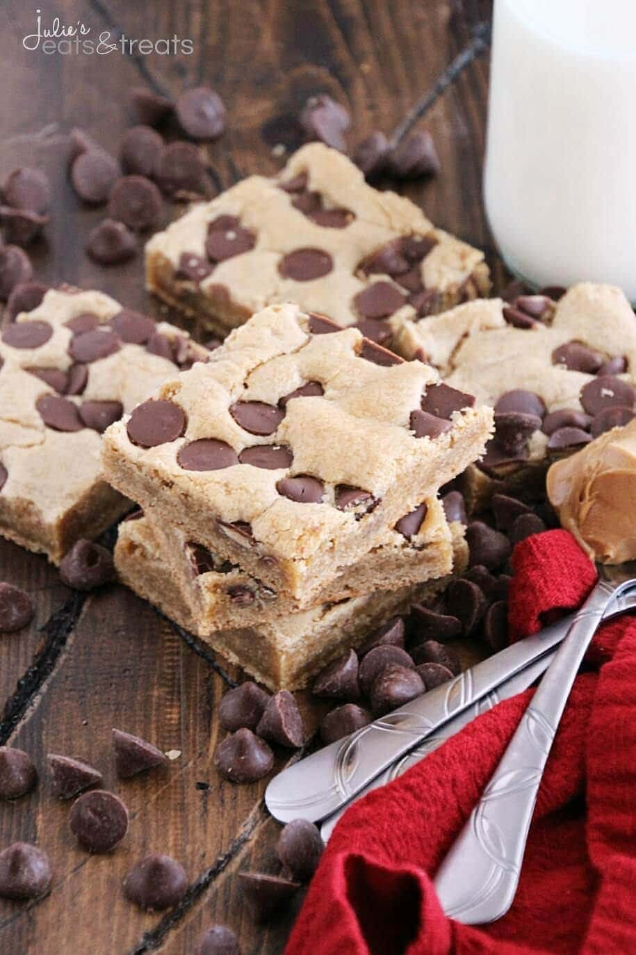 Chewy Peanut Bars Video Peanut Butter Chocolate Chip Cookie Bars ~ Soft, Chewy Peanut Butter Cookie Bars Loaded with