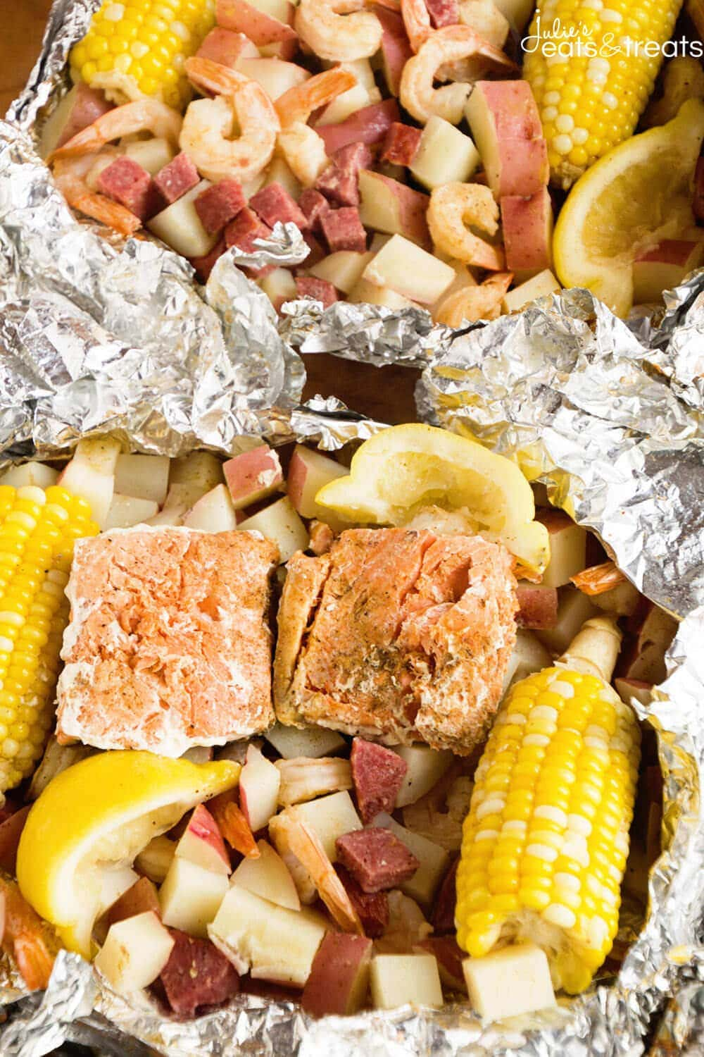 Cajun Shrimp Boil Foil Packets ~ Foil Packets Stuffed with Potatoes, Salmon, Shrimp, Summer Sausage, Corn and Seasoned with Cajun Seasoning! The Perfect Grilling Recipe!