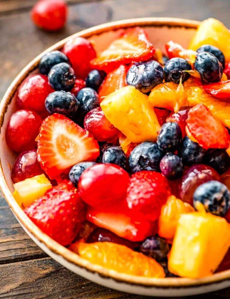 Prepared fruit salad in bowl