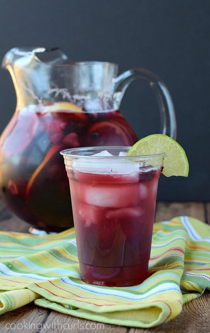 Summer-Berry-Sangria-celebrate-Summer-with-family-friends-and-ArborMist-cookingwithcurls.com-StartSummer-ad