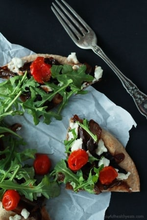 Balsamic-Caramelized-Onion-Goat-Cheese-Pita-Pizza-with-Arugula-6