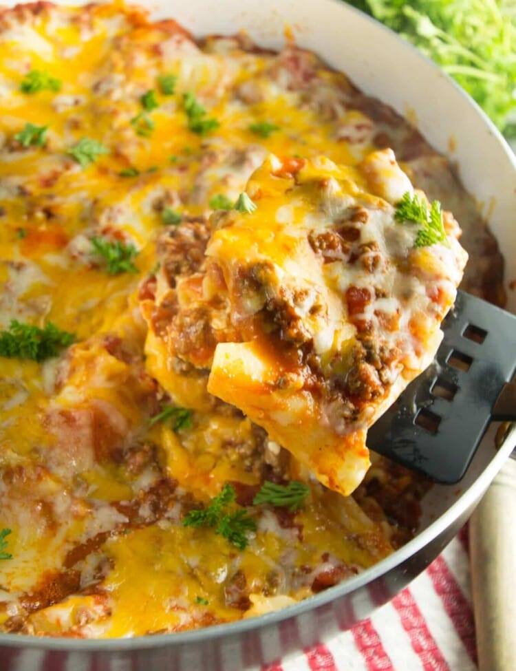 Skillet Lasagna Recipe ~ Craving Lasagna and Short on Time? Try this Delicious, Easy Lasagna Recipe Made in One Skillet and the Perfect Weeknight Dinner!
