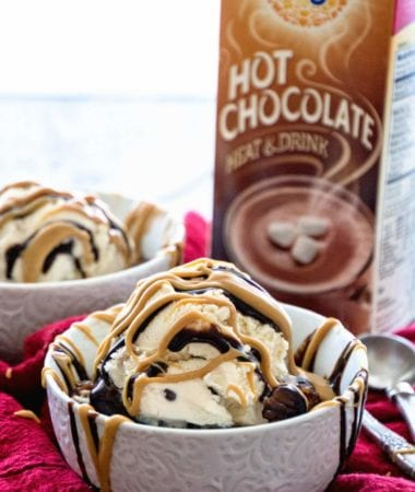 Crock Pot Peanut Butter Hot Chocolate Lava Cake Recipe ~ Delicious Chocolate Peanut Butter Cake with Ooey Gooey Chocolate Lava! Top with Ice Cream, Chocolate Syrup and Peanut Butter!