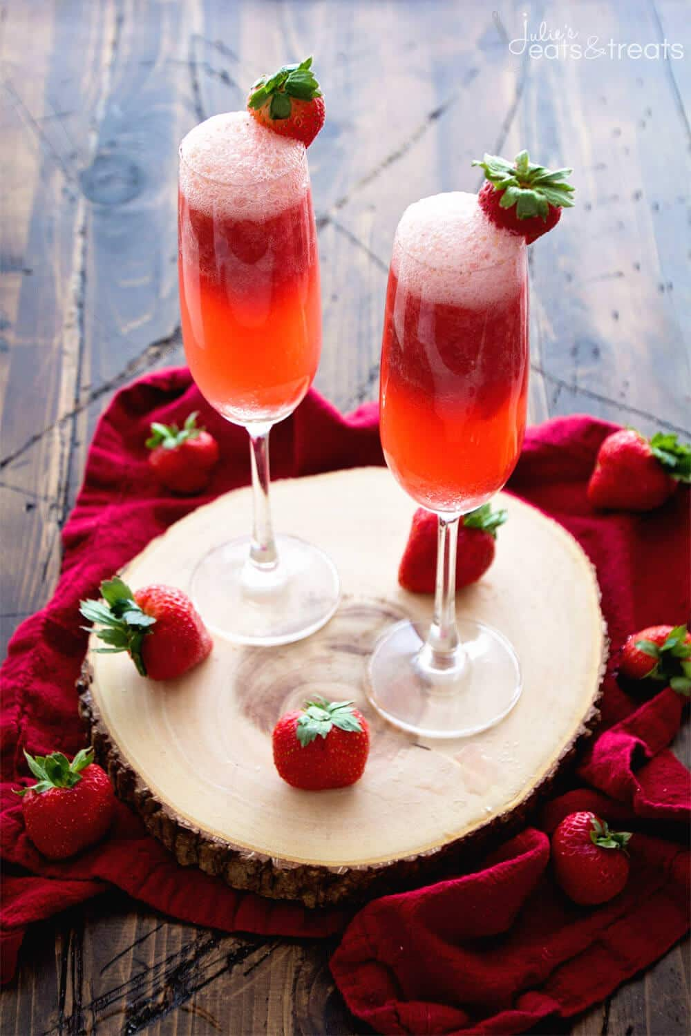 Strawberry Bellini Recipe ~ Delicious, Easy Bellini Recipe Perfect for Celebrating! Fresh Strawberries, Brandy and Sparkling Moscato Make this a Festive Drink!