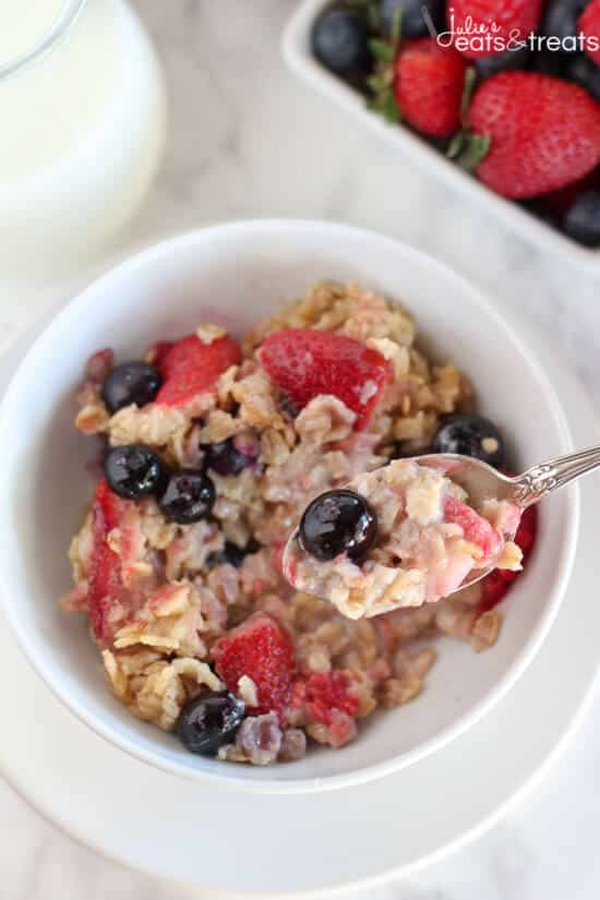 Mixed Berry Oatmeal - This easy baked oatmeal is filled with oats, maple syrup, fresh berries and fragrant vanilla. It's the perfect make-ahead breakfast for busy mornings.