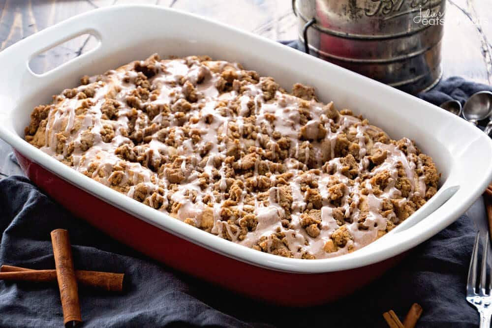 Cinnamon Crumb Coffee Cake Recipe ~ Delicious Coffee Cake Recipe Spiced with Cinnamon and Topped with a Thick Cinnamon Struesel Topping then Drizzled with Icing! Perfect Recipe for Dessert, Breakfast or Brunch!