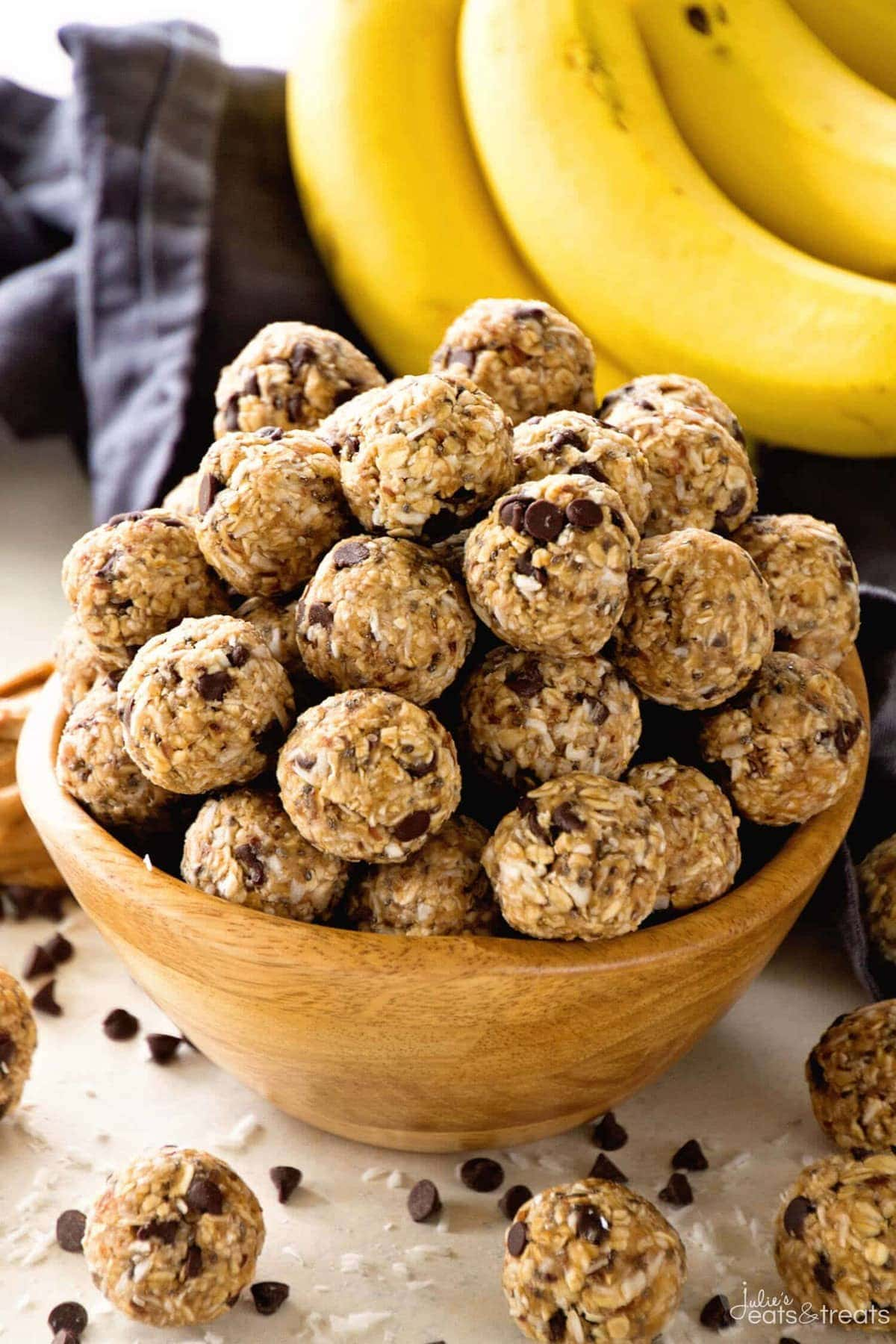 No Bake Chocolate Banana Energy Balls Recipe ~ Delicious Recipe for Energy Bites Loaded with Chocolate Chips, Banana, Coconut, Oats, Flaxseed, Chia Seeds and Spiced with Cinnamon!