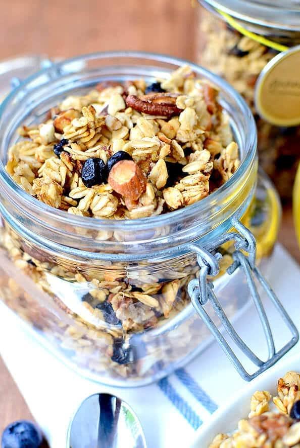Blueberry-Banana-Bread-Granola-iowagirleats-02_mini