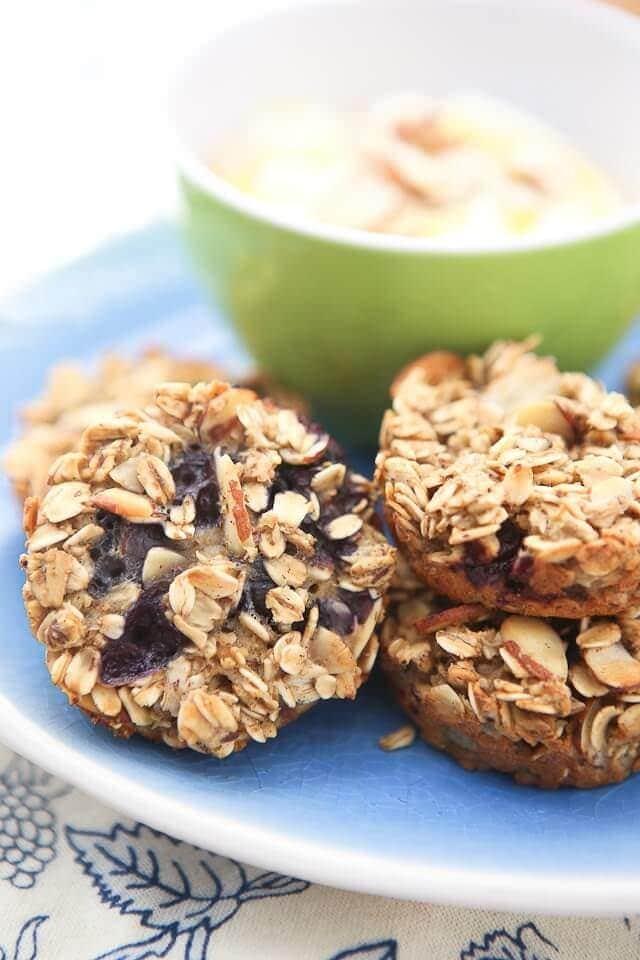 Blueberry_Almond_Oatmeal_Bites-9-640x960