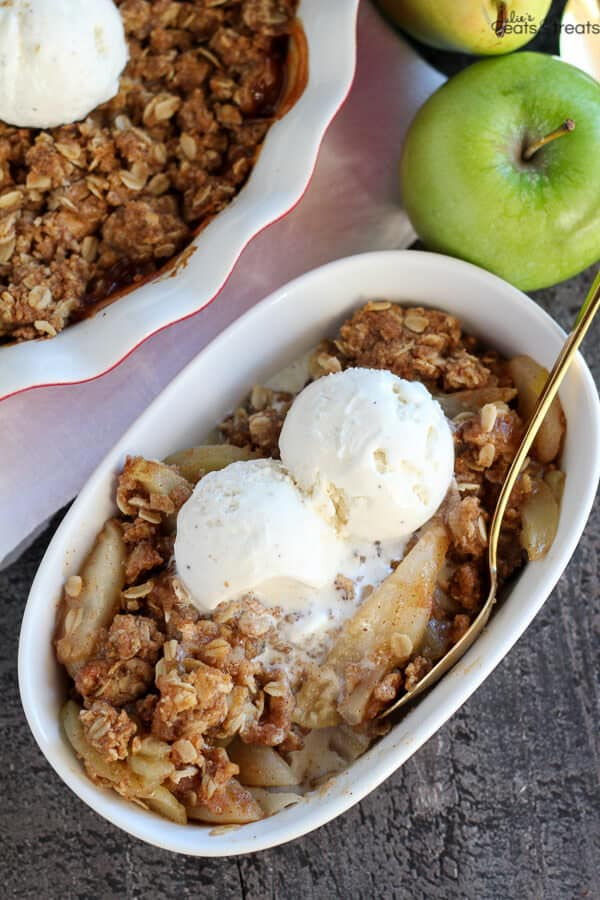 Apple Pear Crisp - Tender apples and pears baked with a brown sugar oat topping. Serve warm for the perfect fall or winter dessert!