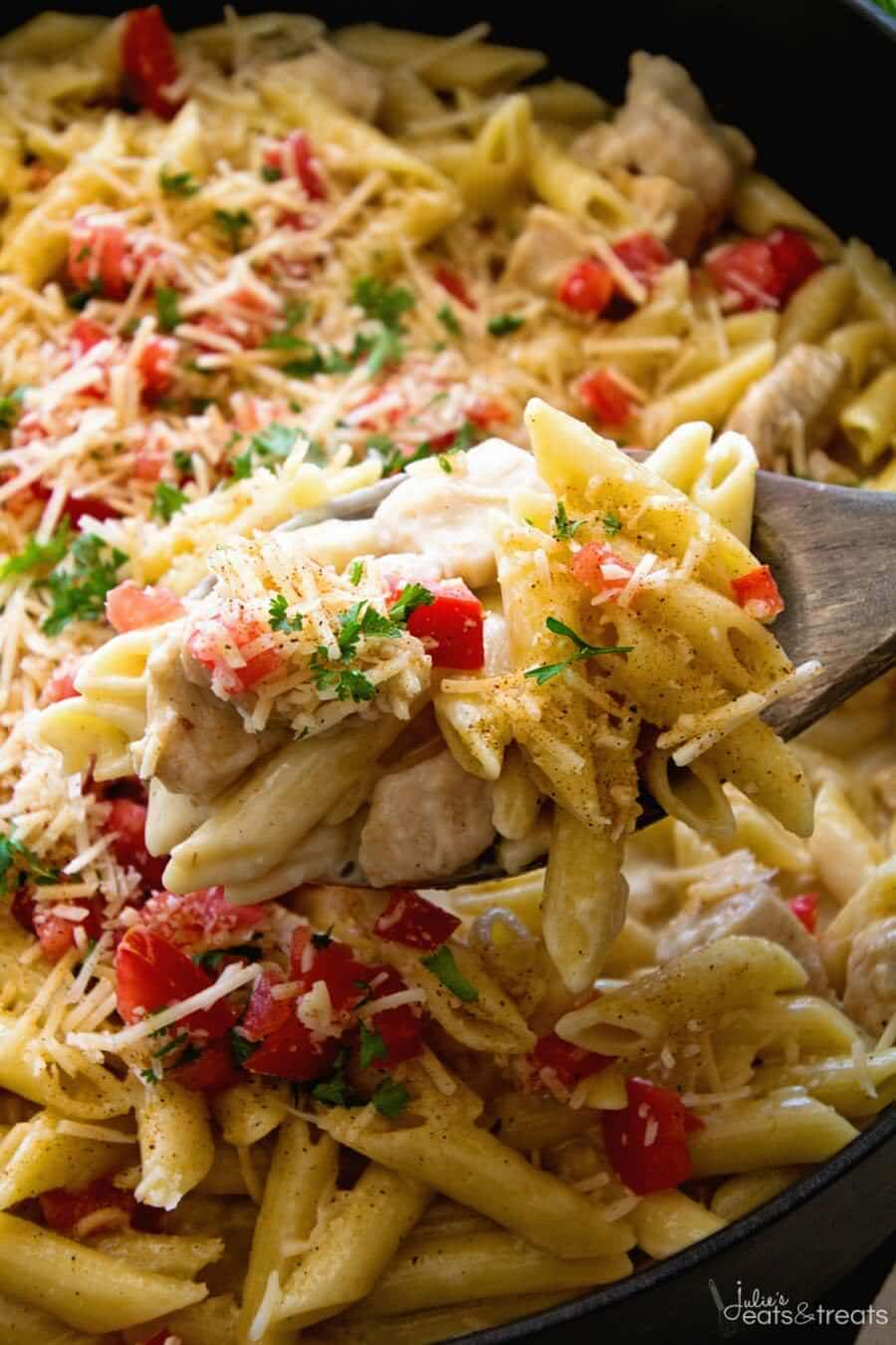 One Pot Cajun Chicken Pasta ~ Creamy Pasta Sauce with Chicken, Cheese and the Perfect Amount of Cajun Spice! Easy Dinner Recipe That's Better Than a Restaurants!