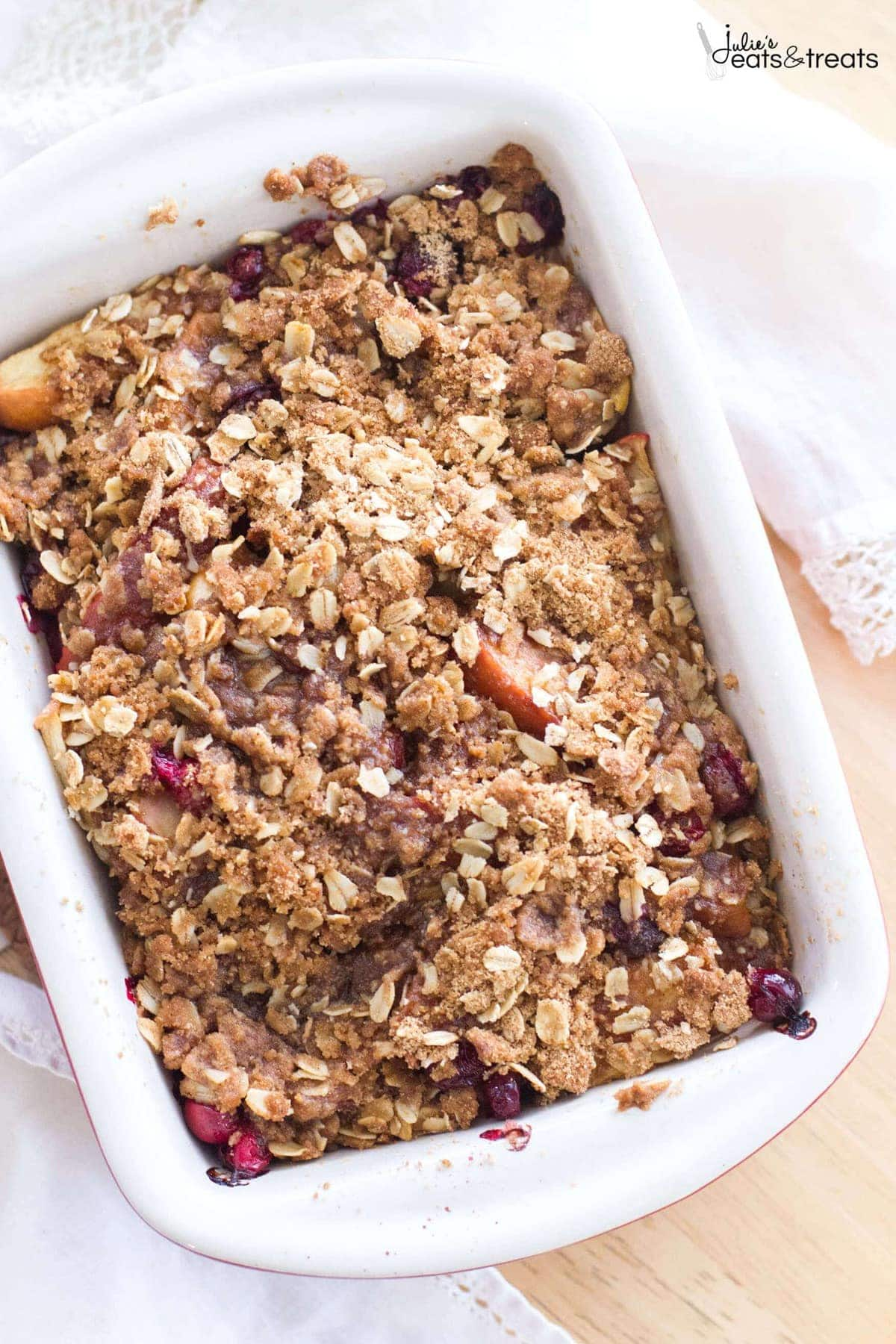 Apple Cranberry Crisp is filled with sweet apples and fresh cranberries, and is topped with the best brown sugar cinnamon crumble!