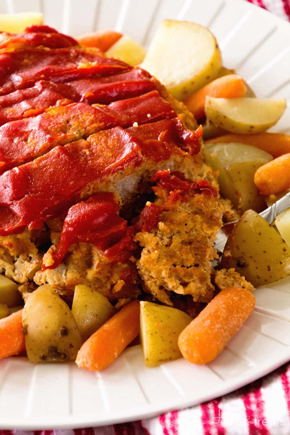 Crock Pot Meatloaf & Veggies ~ Comforting, Meatloaf Topped with Ketchup and Made in the Slow Cooker with Potatoes and Carrots! Make Your Entire Meal in the Crock Pot Tonight!