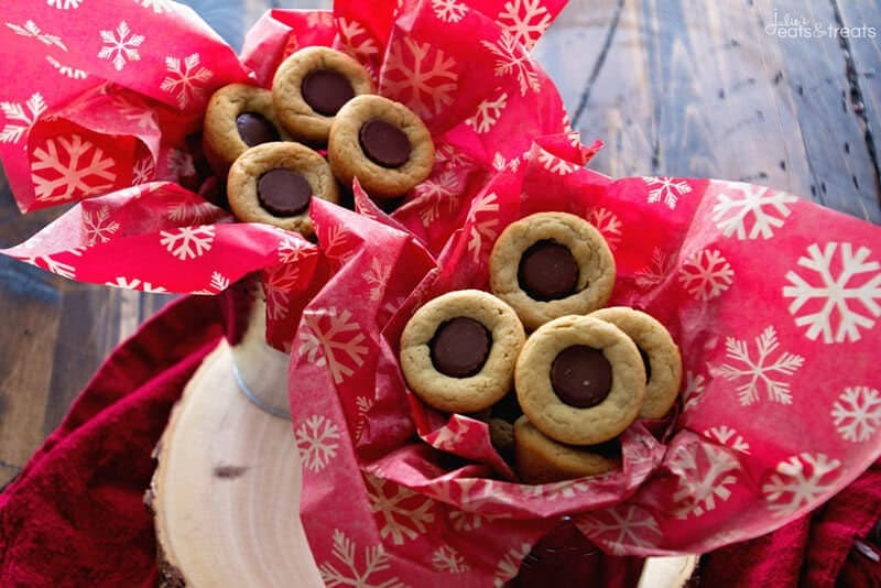 Peanut Butter Cup Cookies ~ Soft, Chewy Peanut Butter Cookies Made in a Mini Muffin Tin and Filled with Reese's Peanut Butter Cups!