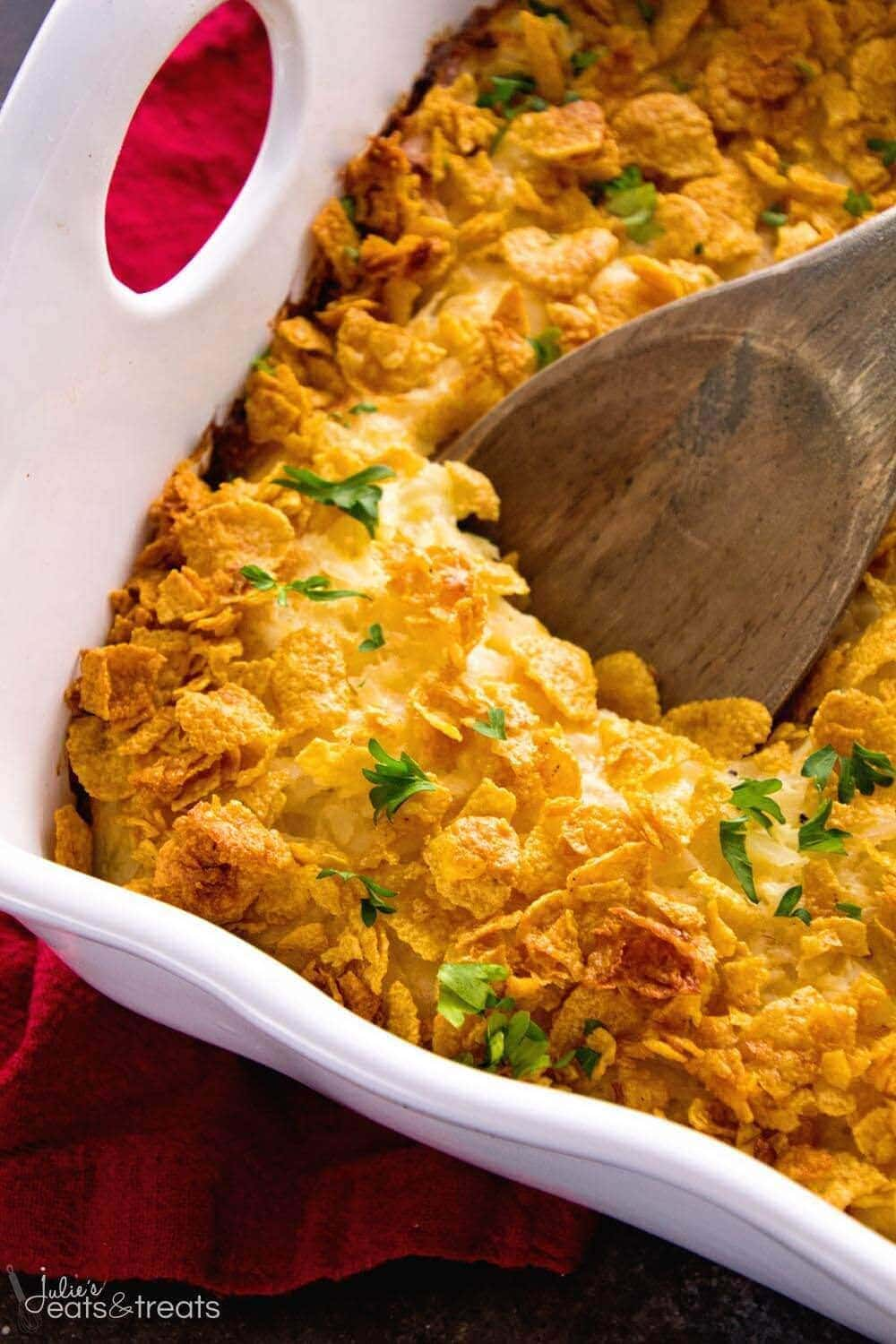 Cheesy Hash Brown Chicken Casserole ~ Your Favorite Cheesy Hash Brown Casserole In a Main Dish! Comforting Casserole Loaded with Hash Browns, Cheese, and Chicken Perfect for Dinner!
