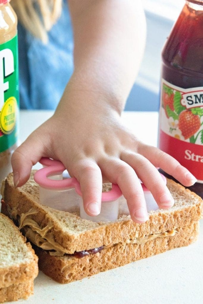 Peanut Butter and Jelly Sandwich Fun for the Kids! No More Boring PBJ Sandwiches for the Kids Lunches! Here are Several Tricks to Making Peanut Butter & Jelly Sandwiches fun!