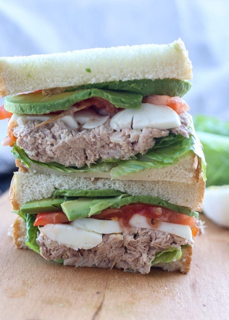 How to Make a Tuna Egg Sandwich with Avocado!