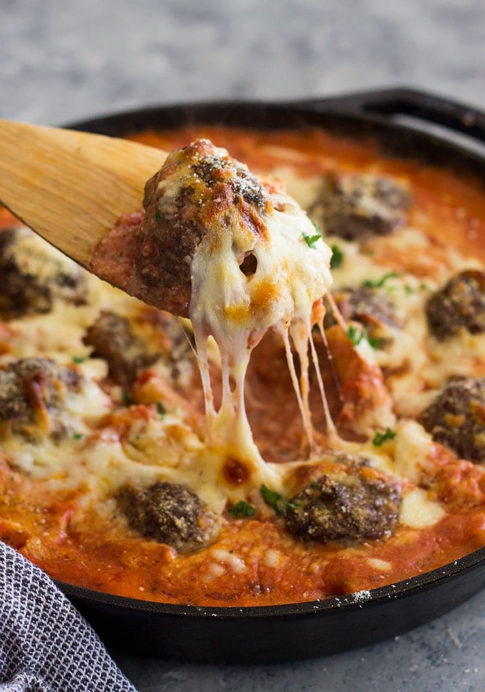 The best recipe for pasta meatballs and cheesy! Eat this for dinner tonight!