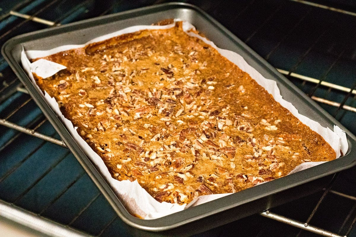Delicious Easy Pecan Pie Bars Recipe that will be your new favorite
