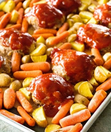 Easy Weeknight Dinner Recipe! Everyone will love Meat Loaf and Vegetables!