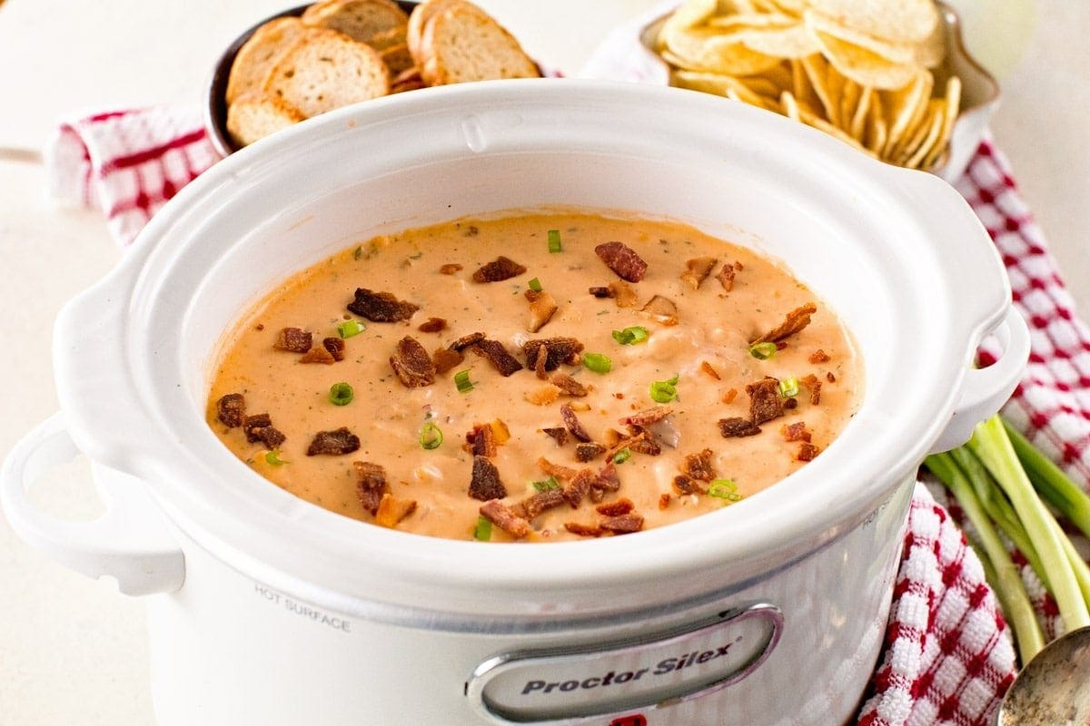 Slow Cooker Cheese Dip with Bacon and Cheese