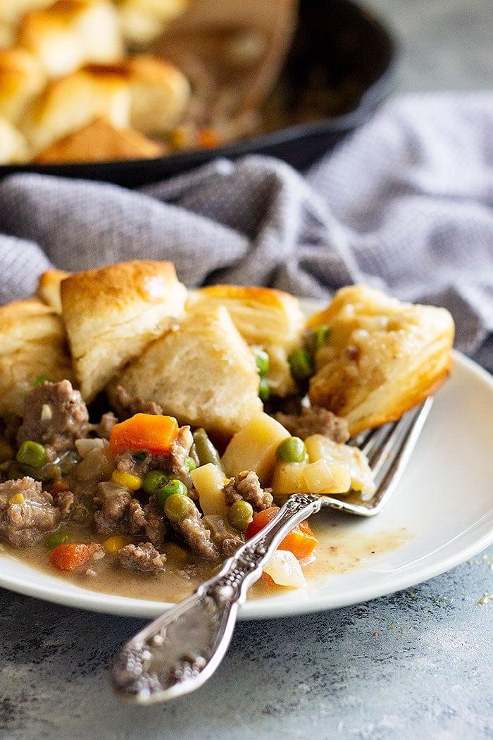 Easy Skillet Beef Pot Pie Recipe Video Julie S Eats Treats